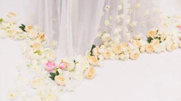Стиль минимализма: насколько приемлем он для флористического оформления свадьбы