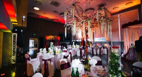 Оформление зала на свадьбу: идеи и фото-примеры