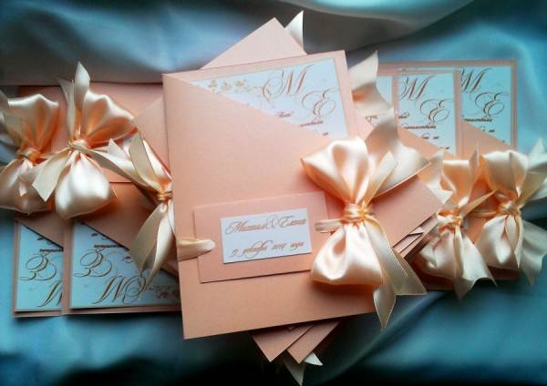 Приглашения на свадьбу в персиковых тонах