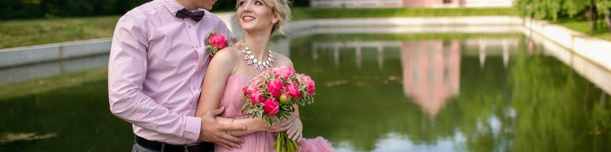Розовая свадьба и идеи её оформления: что диктуют тенденции в этом году