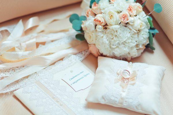 Особенности оформления пудровой свадьбы