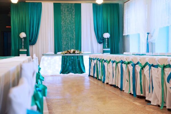 банкетный зал для изумрудной свадьбы