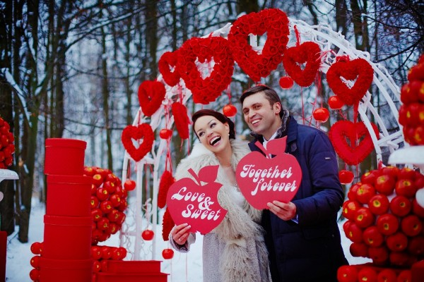 фотосессия на свадьбе в красном цвете