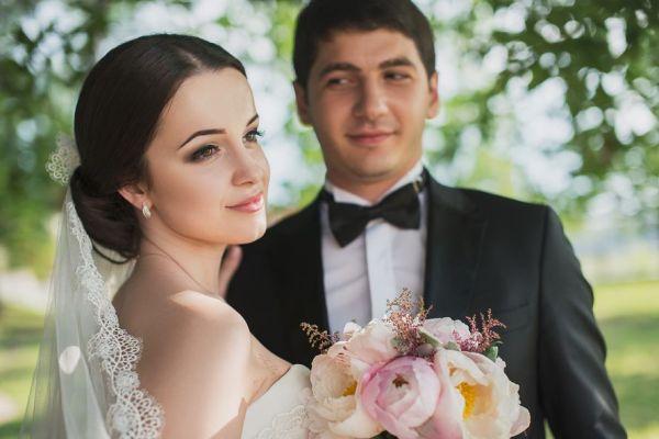 молодожены классической свадьбы