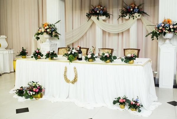 оформление свадебного зала в греческом стиле