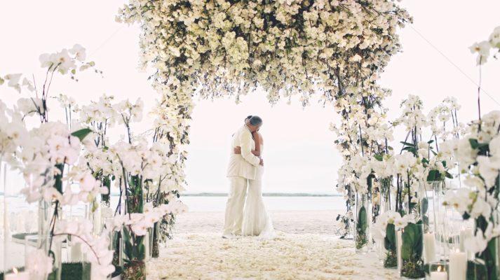 Оформление свадьбы в белом стиле: оригинальность и утонченность торжества