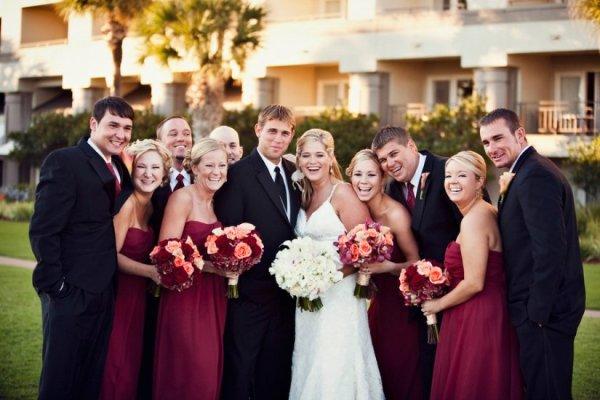 свадьба в марсаловом цвете