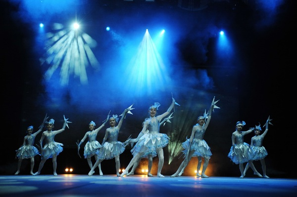 световое оформление театрального выступления