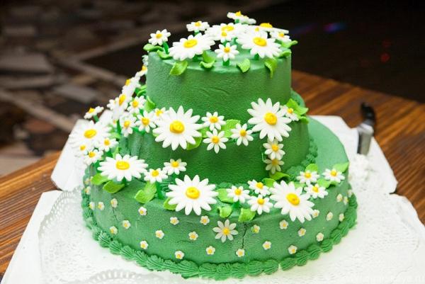торт для ромашковой свадьбы