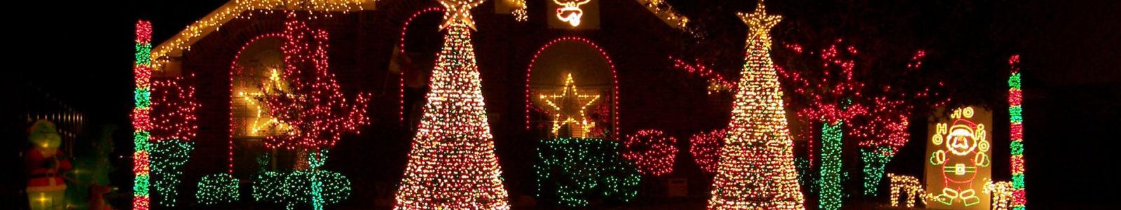 Новогодняя сказка с минимальными затратами – грамотное световое оформление снаружи и внутри