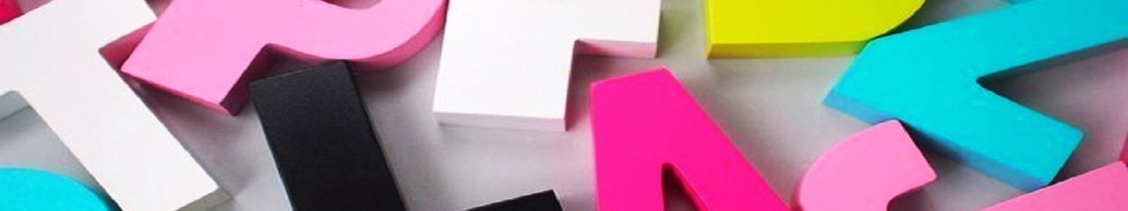 Секрет эффектного и яркого декора на вечеринке в честь именинника: трехмерные цифры и буквы из пенопласта