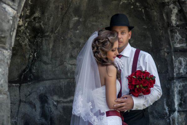 Роль шокирующих деталей в оформлении и декоре свадьбы в чикагском стиле