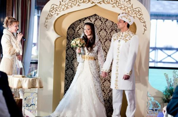молодожены на восточной свадьбе