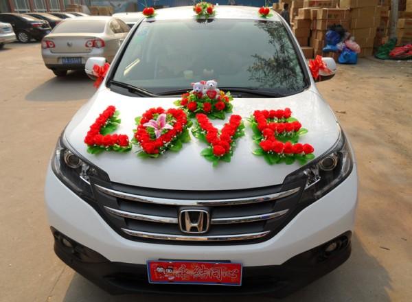 необычное оформление свадебного авто
