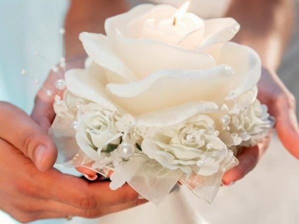 свеча в форме розы