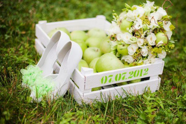 Летний позитив и осенняя сочность: как оформить яблочную свадьбу красиво и грамотно