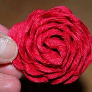 готовая роза из бумаги
