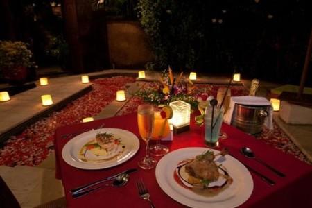 Романтический ужин при свечах – как его организовать