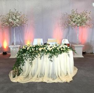 Композиция на стол (искусственные цветы)